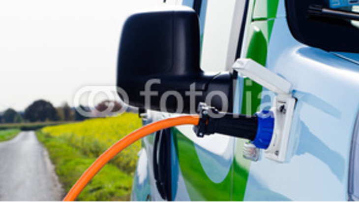 veicolo elettrico in carica